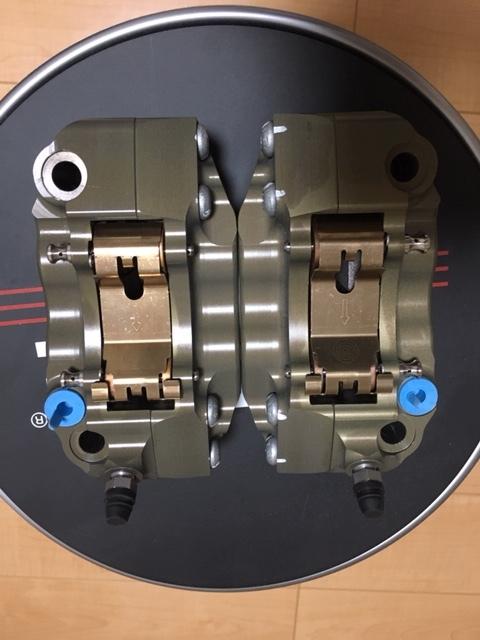 正規品 未使用 brembo ブレンボ キャリパ- CNC 220A01610 左右SET 108㎜ 定価150000- GSX-R CBR YZF-R1 ZX-10R _画像4