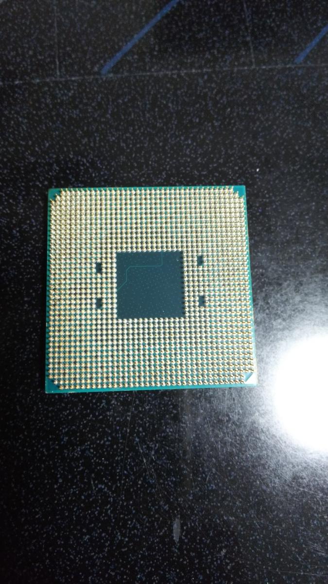AMD Ryzen 7 2700X ソケット AM4 ジャンク_画像2