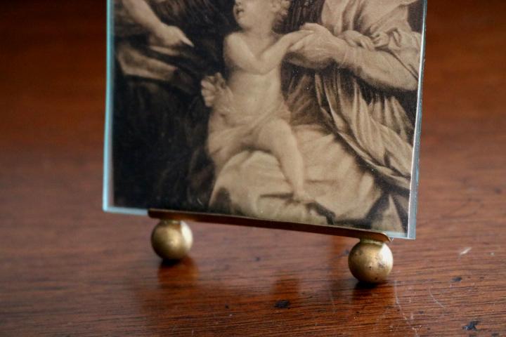 ■ アンティークのフォトスタンド/チューリップの飾り/聖母子/洗礼者ヨハネ/壁掛けフレーム ■_画像3
