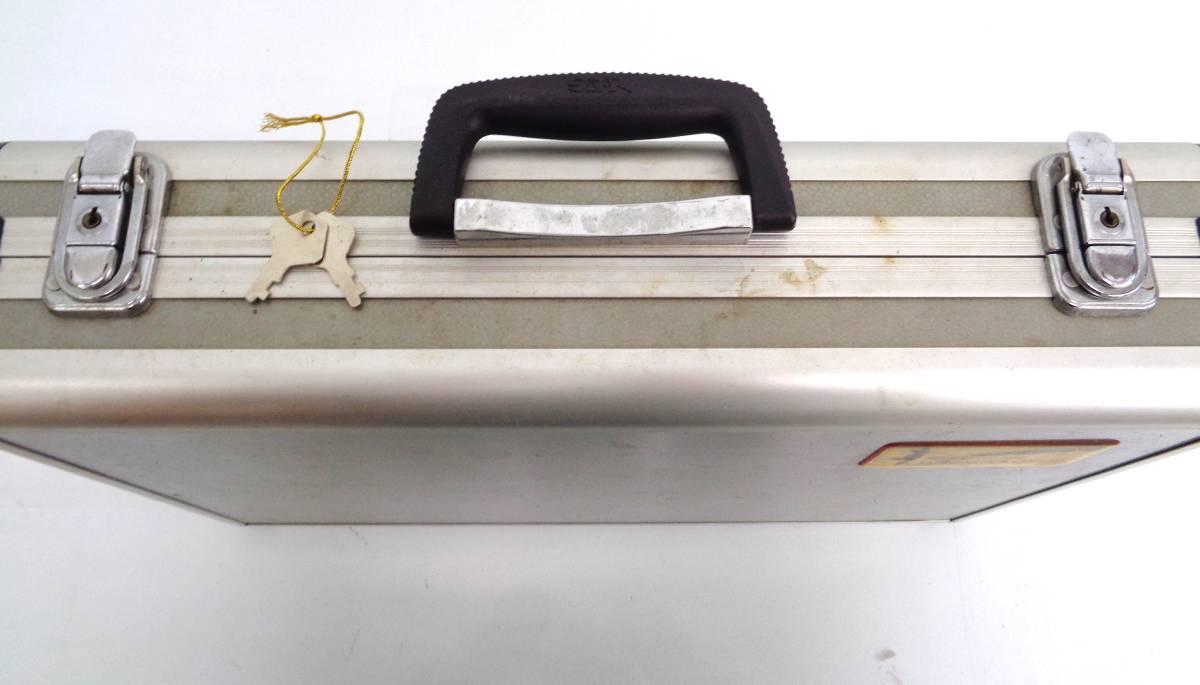 23503 プラスチック製 吸い玉 カッピングセット 吸圧器 ハードケース付き 真空 吸玉 マッサージ_画像6