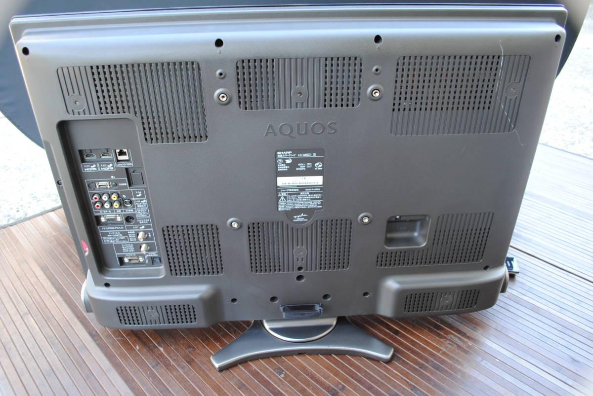 A355【詳細複数写真あり】SHARP/AQUOS/液晶カラーテレビ/LC-32SC1/32V型ワイド/2010年製/B-CASカード付/世界の亀山ブランド/回転天板付_画像7