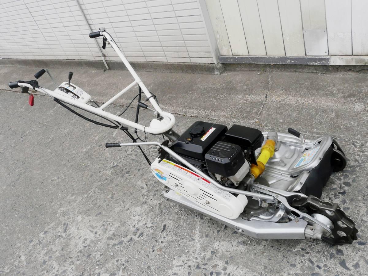 オーレック 自走式2面畦草刈機 ウィングモア WM726TL 滑りにくい2WD バックギア付き最大6.3馬力_画像3