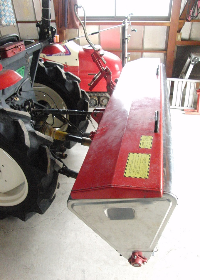 安心の即決価格♪ 人気のNIPRO / ニプロ トラクターPTO駆動肥料散布機 FT-1805 ライムソワー_画像7