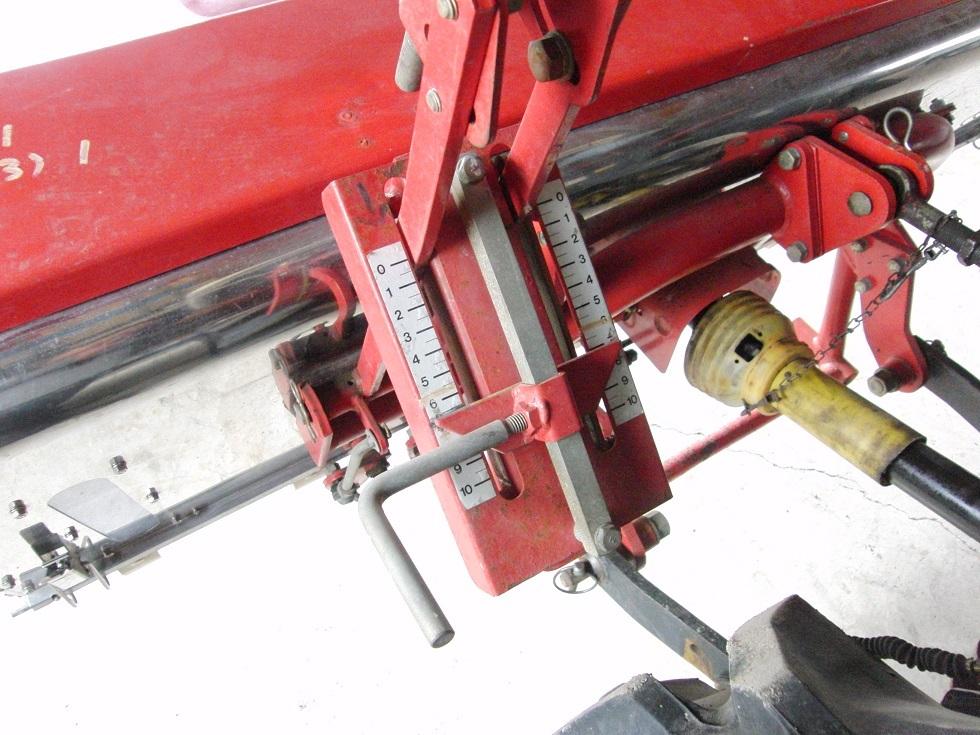 安心の即決価格♪ 人気のNIPRO / ニプロ トラクターPTO駆動肥料散布機 FT-1805 ライムソワー_画像9