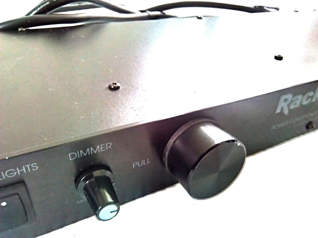 FURMAN 使用少 1U ラックマウント ライト モジュール付き パワーディストリビューター 電源 タップ 3ピン対応 8口 即決有り 管理番号FU_画像2