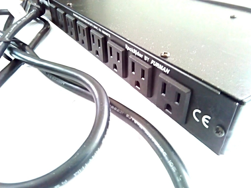 FURMAN 使用少 1U ラックマウント ライト モジュール付き パワーディストリビューター 電源 タップ 3ピン対応 8口 即決有り 管理番号FU_画像4