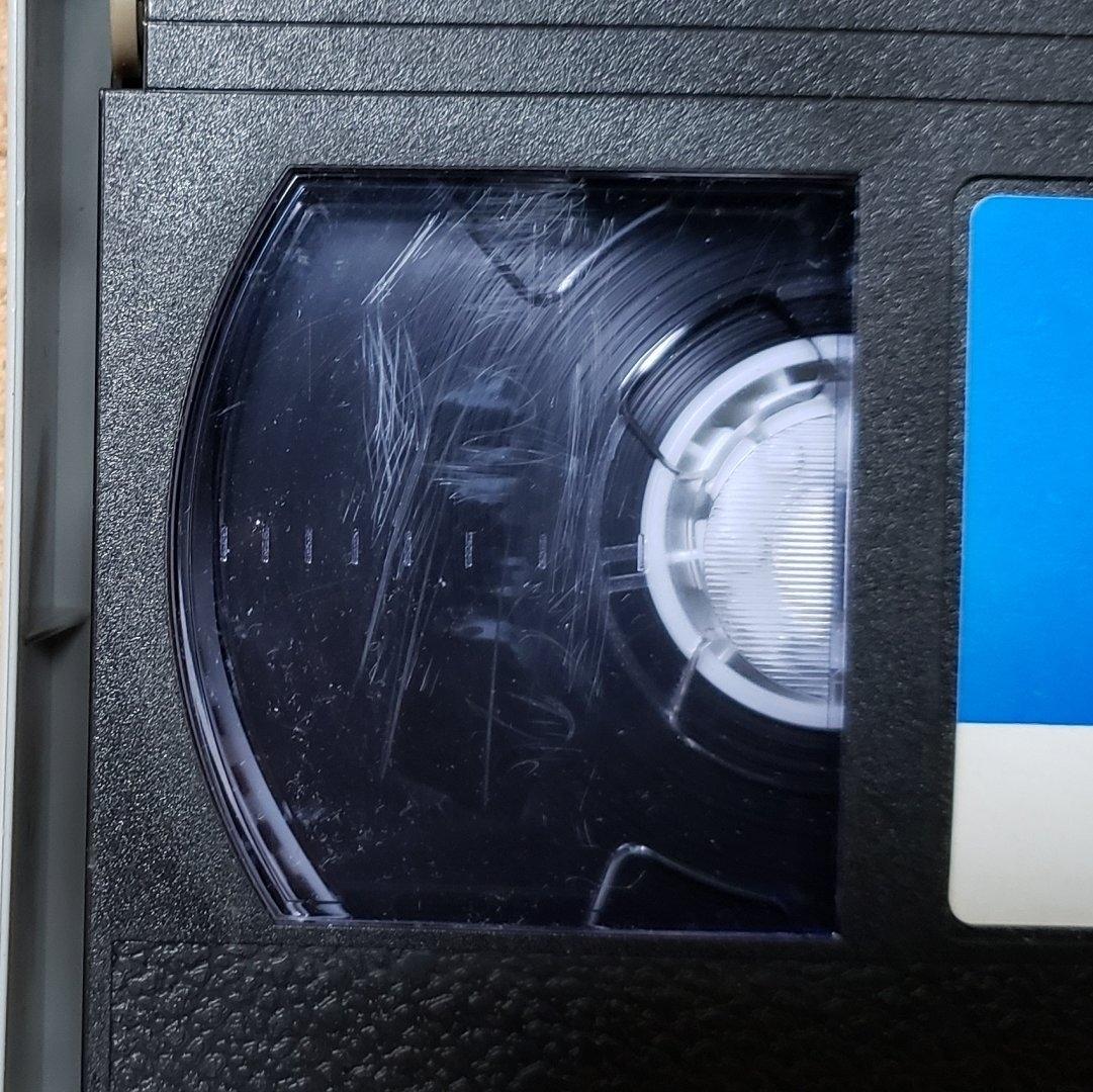 ローズ家の戦争 VHS ビデオテープ_目立つ傷あります