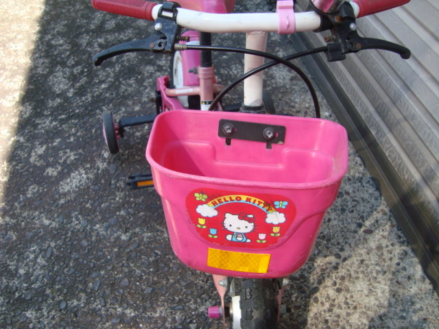 ☆★ks 子供自転車 補助輪付き ハローキティ ブリヂストン かご付き おしゃれ 幼児 引き取り可能_画像3
