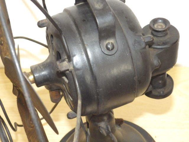 ◆戦前 芝浦電気(東芝) 扇風機 真鍮4枚羽根30cm 2031 重量7.2kg 鉄製ボディ◆ジャンク_画像6