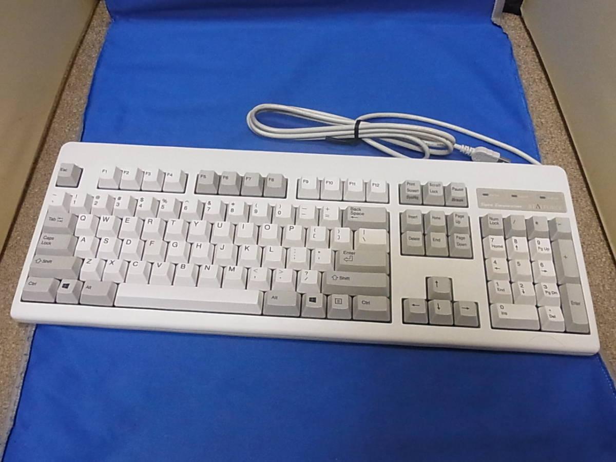 東プレ REALFORCE 104UWS ホワイト XF01TS 展示処分品