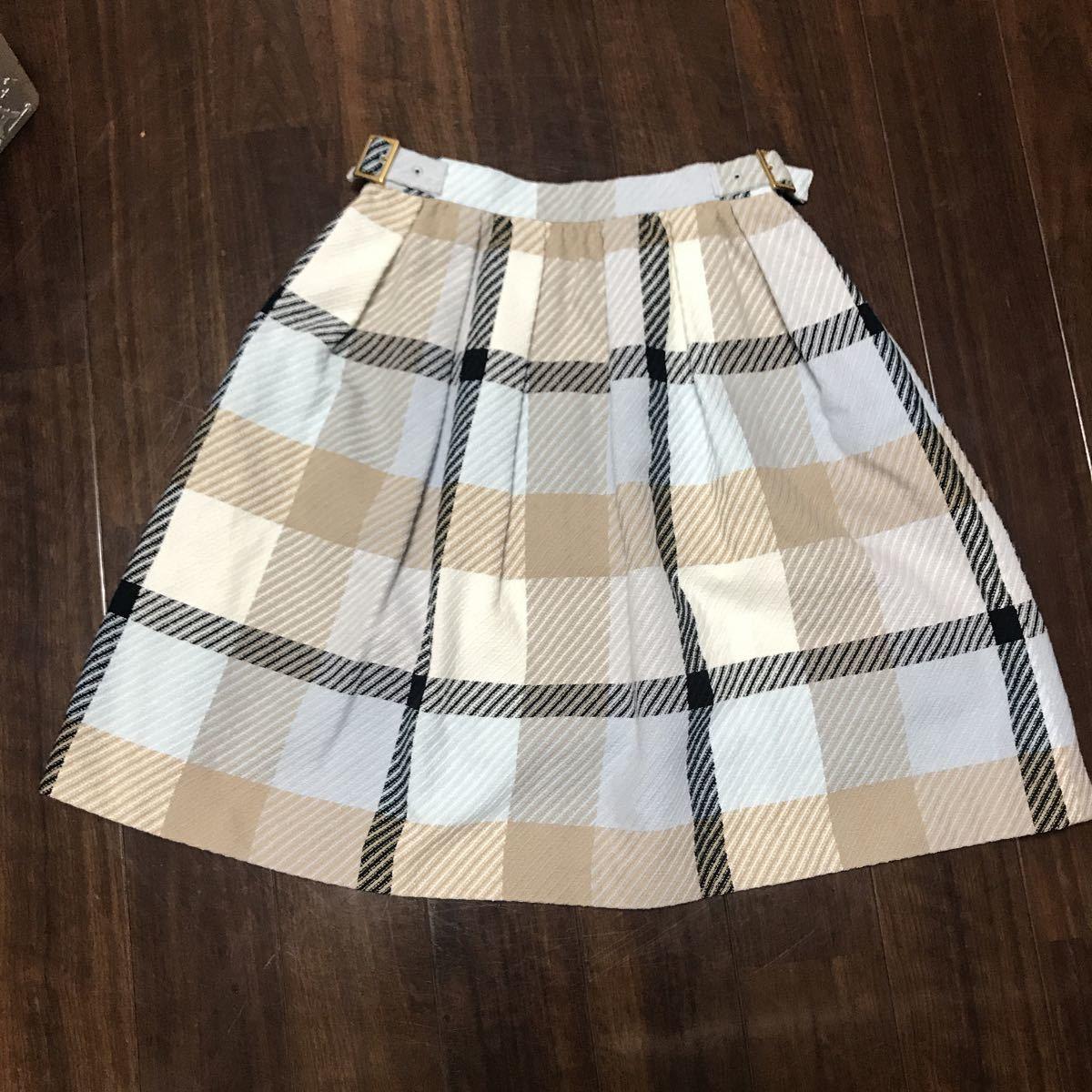 美品 バーバリーブルーレーベル ふんわりスカート36