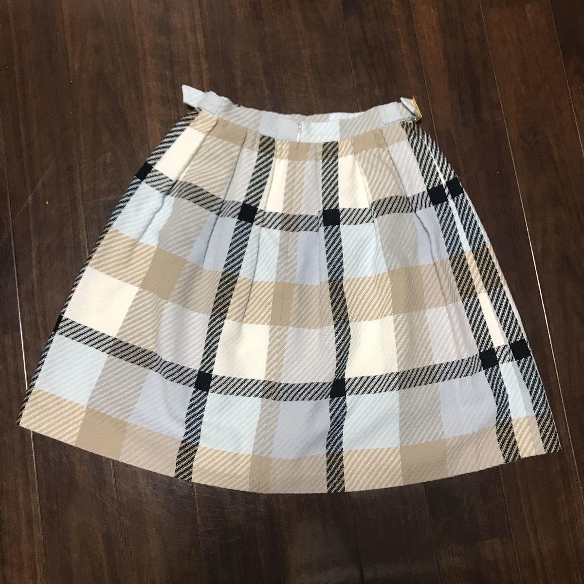 美品 バーバリーブルーレーベル ふんわりスカート36 _画像5