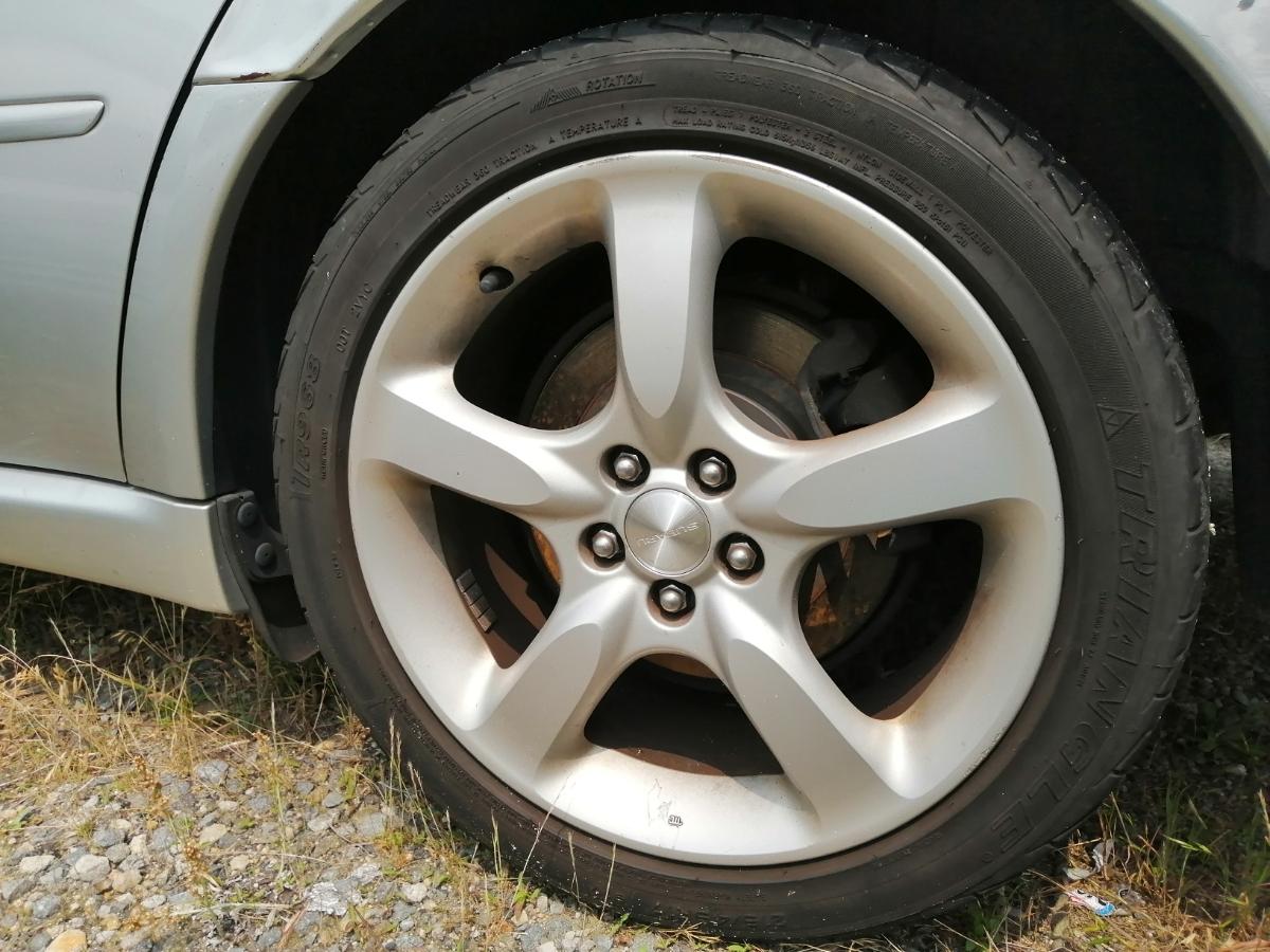 スバル 215/45/17 2.0GTターボ レガシィツーリングワゴンBP5 17年式に使用していた純正17インチアルミホイール4本のタイヤセットです。_画像1