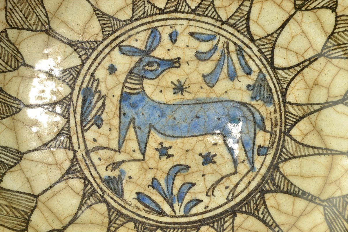 【 ペルシャ陶器 イラン 動物図皿 18世紀頃 】_画像2