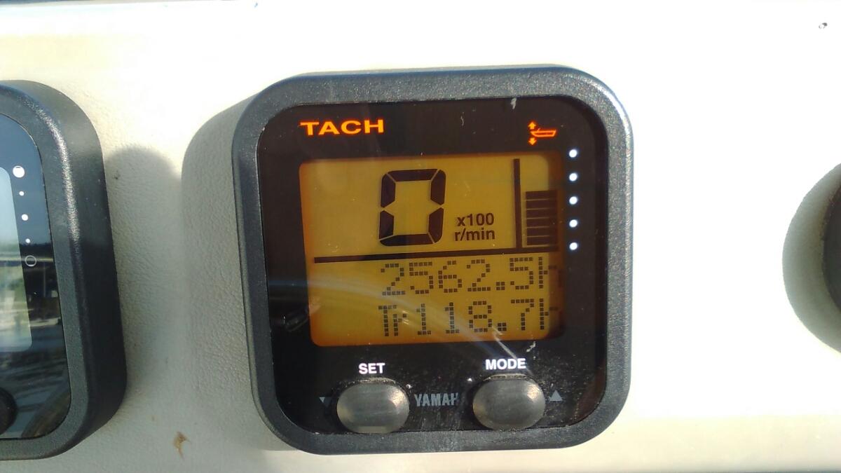 FC23 ヤマハ4スト115馬力 GPS漁探付き 定員10名 【個人出品】大阪府南部_画像8