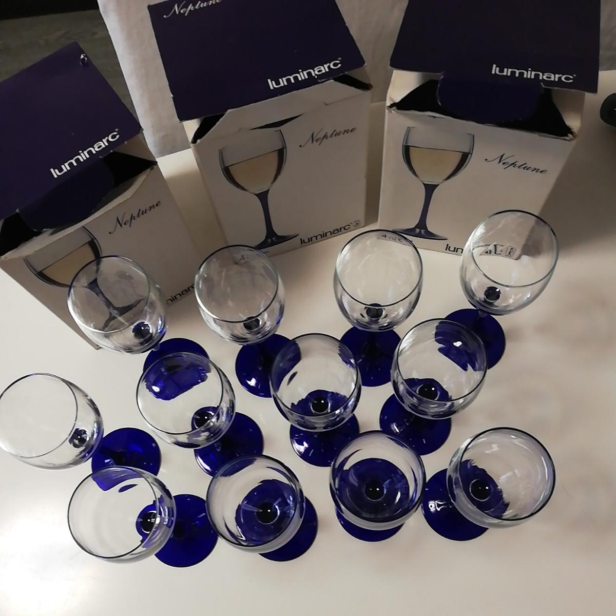 ●新品 ワイングラス ブルー フランス製 リュミナルク グラス 12客 luminarc 店舗お店飲食店に FRANCE 足付脚付 ゴブレット●大量セット_画像2