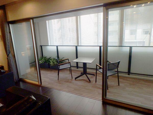 OSY37 展示品 YKK サッシ 窓 4枚 ベランダ 4枚スライド 枠付き 網戸無し W4030 H1970_画像3