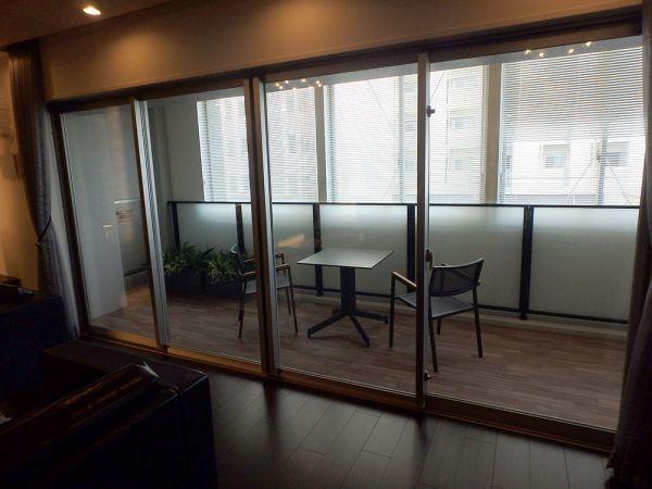 OSY37 展示品 YKK サッシ 窓 4枚 ベランダ 4枚スライド 枠付き 網戸無し W4030 H1970_画像2