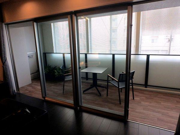 OSY37 展示品 YKK サッシ 窓 4枚 ベランダ 4枚スライド 枠付き 網戸無し W4030 H1970_画像4