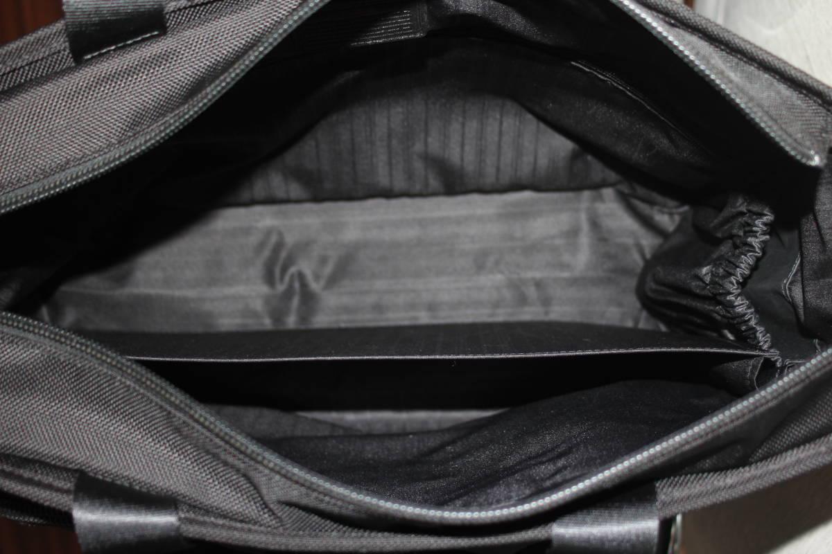 レア★TUMI ★できる男のデイトートバッグ「style 26197」★人気の秘訣はルックスの良い「ワイドスクエア」ビジネスブリーフ_画像9