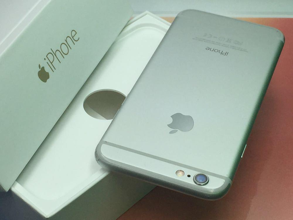 良品・ドコモ版・ Apple iPhone 6 16gb・ シルバー _画像3