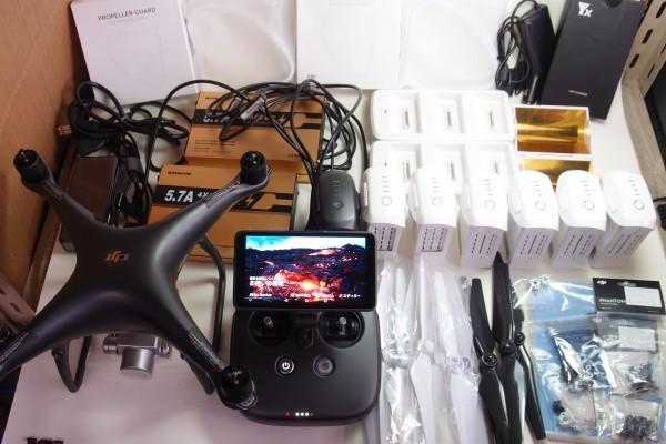 DJI Phantom4 PRO+ Obsidian 本体新品 バッテリー7つ 急速充電器 他おまけ 5.5インチディスプレイ付き 1インチセンサー 4k 60fps 送料無料