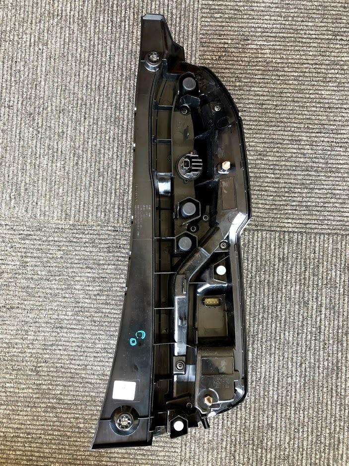 中古美品 ホンダ純正 N-BOX カスタム JF3/JF4 左テールライト 【001】_画像5