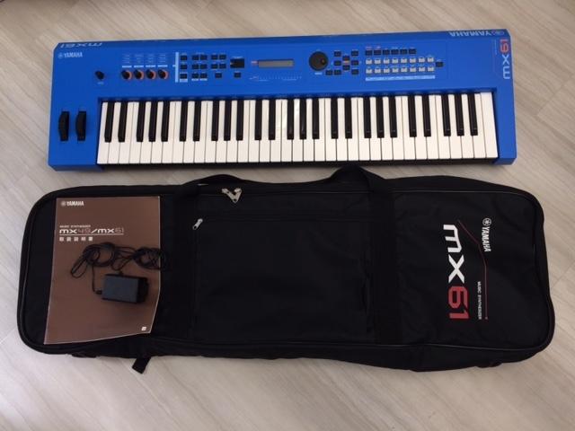 YAMAHA キーボード・シンセサイザー MX61 (ブルー)