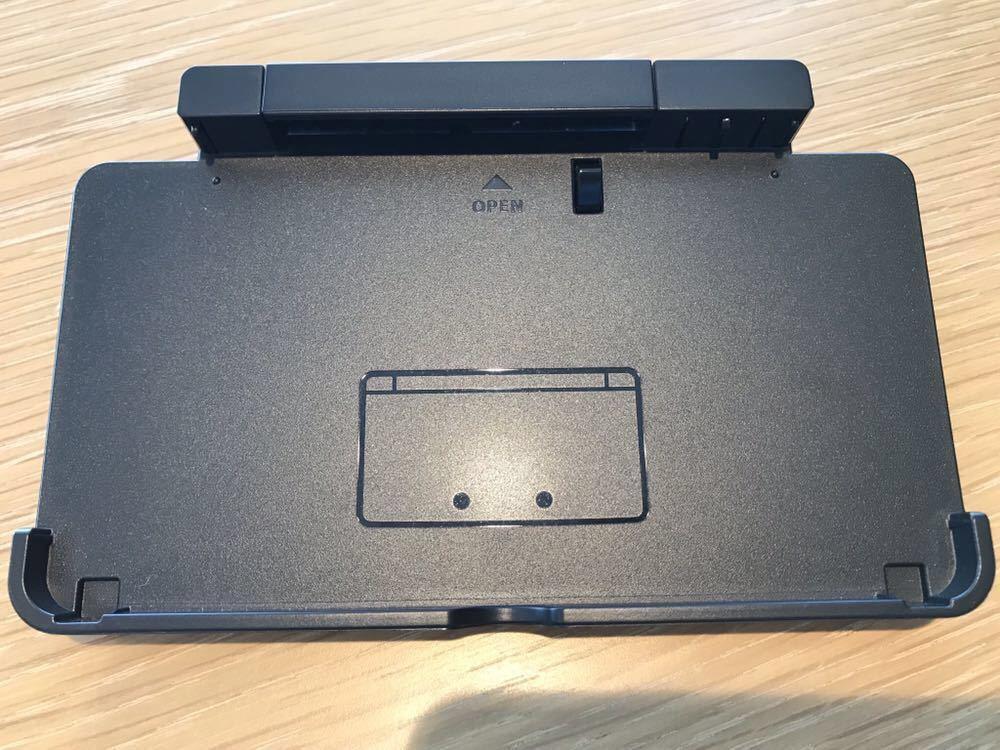 ニンテンドー3DS 本体 美品 動作確認済み 任天堂 Nintendo 充電器付き タッチペン付き 1円スタート 送料無料_画像4