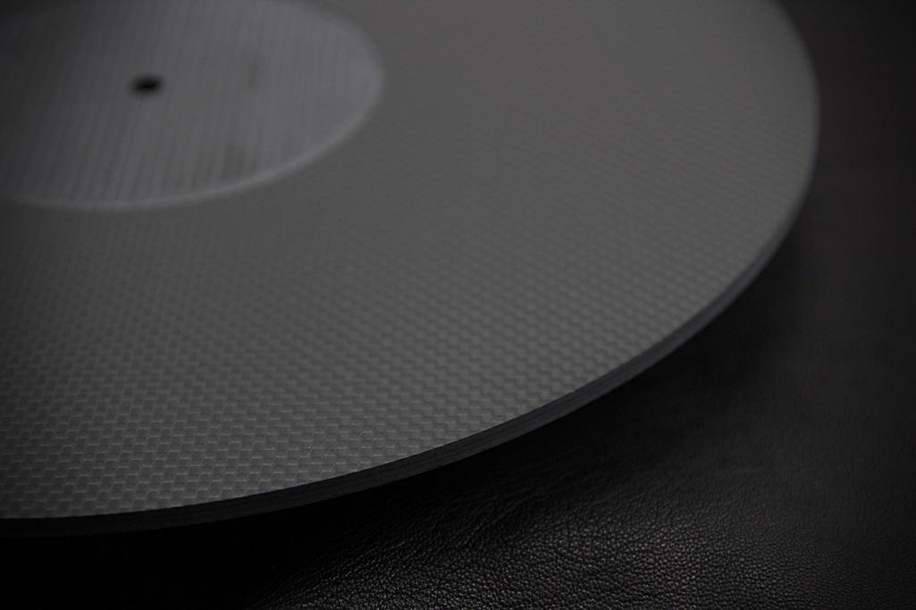 4061 ★特注品 ドライカーボン製 肉厚ターンテーブルシート 4mm厚 レコード スリップマット CFRP プレー ボード 炭素繊維 LP EP ♪1123_画像6