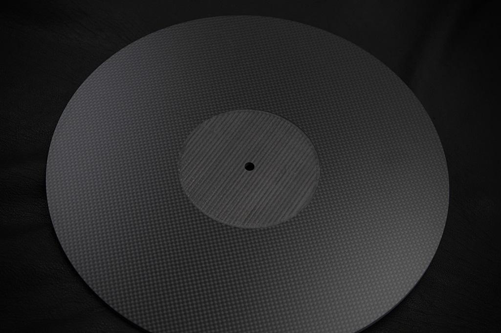 4061 ★特注品 ドライカーボン製 肉厚ターンテーブルシート 4mm厚 レコード スリップマット CFRP プレー ボード 炭素繊維 LP EP ♪1123_画像5