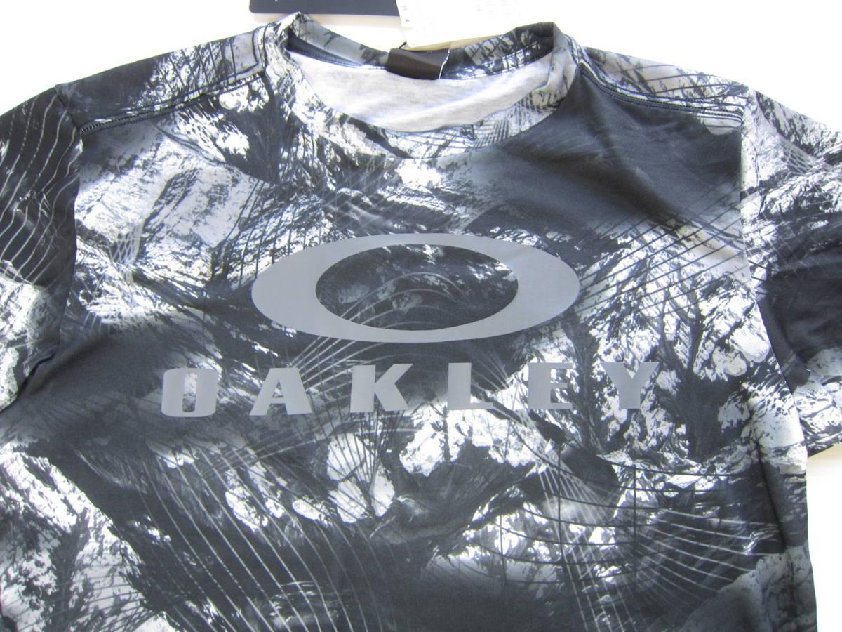 新品◆オークリーOAKLEY 半袖シャツ & ショート パンツ L 黒&グレー 迷彩 Tシャツ ウェア 検/ ロング ジャージ M ナイロン_画像3