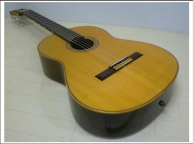 ◇◆茶位 幸信/新堀ギター◆クラシックギター◆NP-30S◆1985年製・ハードケース付・美品◆◇_画像2