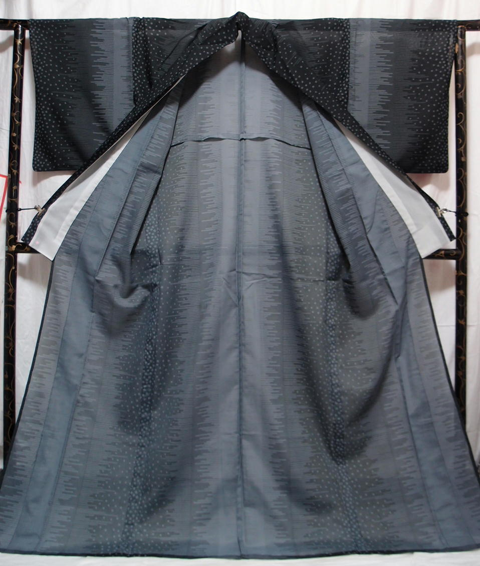 送料無料 夏 薄物 夏大島紬風 洗える着物 7月8月 身丈166cm裄67cm 美品 白黒モノトーン 絣 追加画像あり クリックポスト無料_画像8
