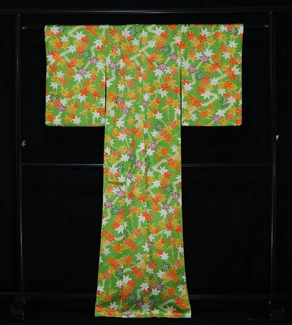 【着物のNext】 0947 L寸 鮮やかな紅葉文様 化繊 ポリ 洗える小紋 緑系 美品_画像3