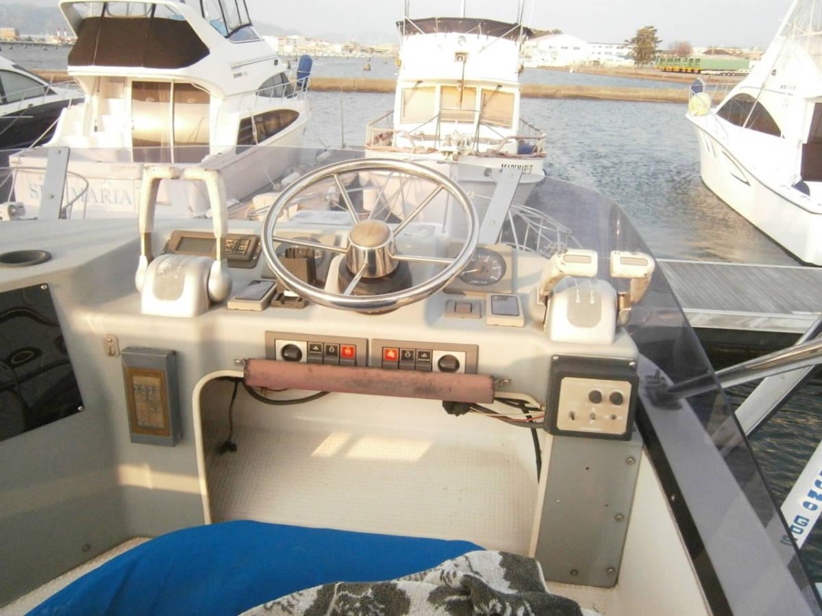 ヤマハ フィッシングクルーザー SF-31 220馬力 YAMAHA モーターボート_画像2