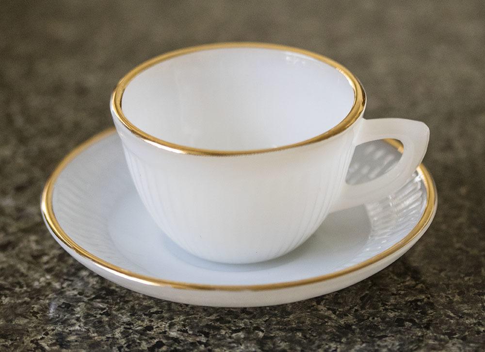 レア!ファイヤーキング ジェーンレイ ホワイト ゴールドリム デミタス カップ&ソーサー 1950年 耐熱 ミルクグラス コーヒー エスプレッソ