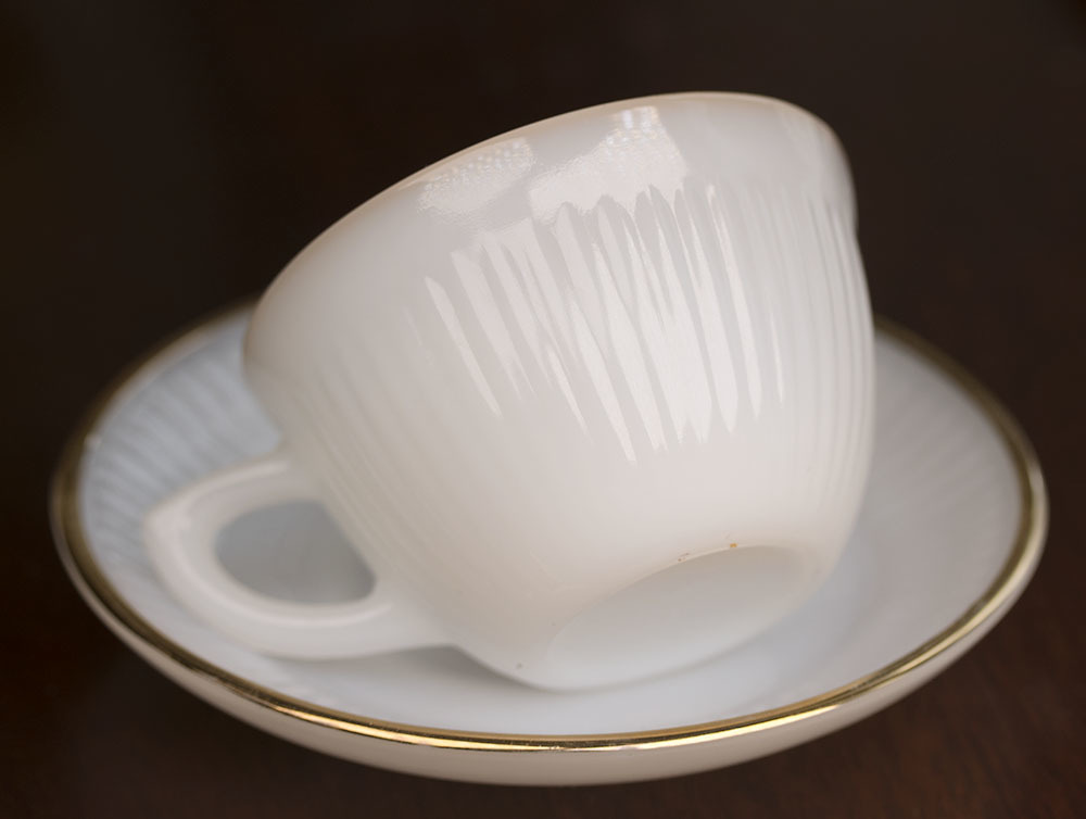レア!ファイヤーキング ジェーンレイ ホワイト ゴールドリム デミタス カップ&ソーサー 1950年 耐熱 ミルクグラス コーヒー エスプレッソ_画像2