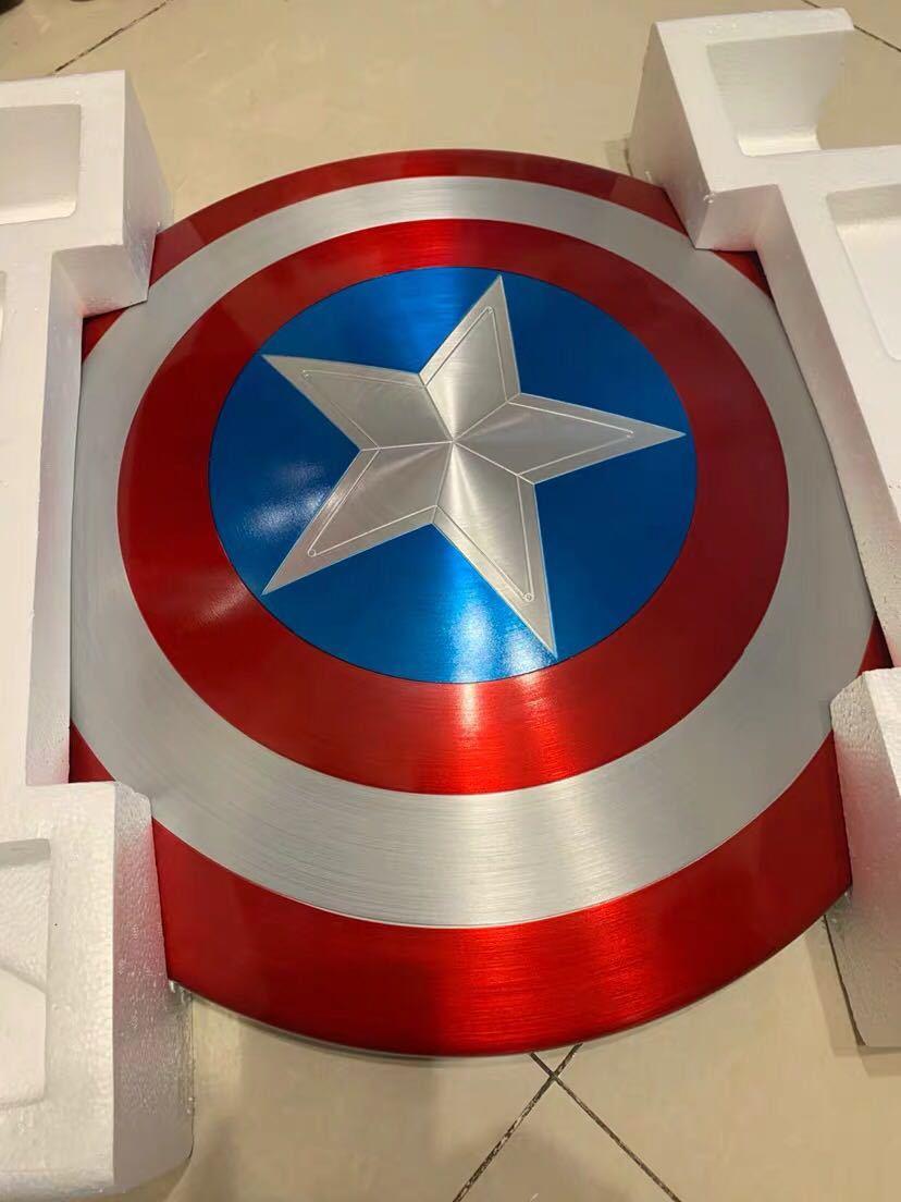 「新品未開封」マーベル アベンジャーズ キャプテンアメリカ 1:1スケール 盾 シールド 75周年 Hasbro(ハズブロ) アルミニウム合金製 _画像9