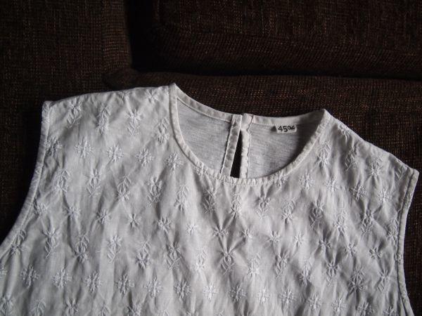 ★2018年購入+フラワーモチーフの刺繍◎美しく上品な佇まいのノースリーブ白シャツ★ 45rpm 45R 即決 Tシャツ ホワイト