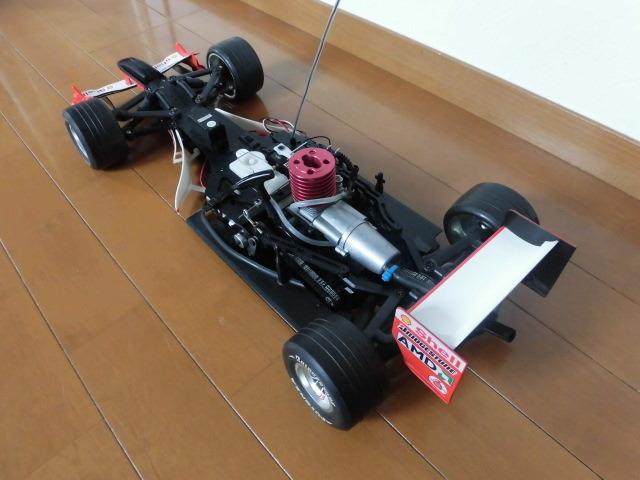 ☆★ ジャンク デアゴスティーニ 京商 1/8 フェラーリ F2004 エンジンカー シューマッハ_画像2