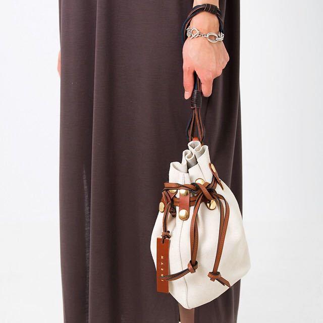 新品 マルニ MARNI スエード BINDLE クラッチ 巾着 バケツバッグ ジルサンダー マルジェラ セリーヌ ショルダーバッグ トートバッグ_画像2