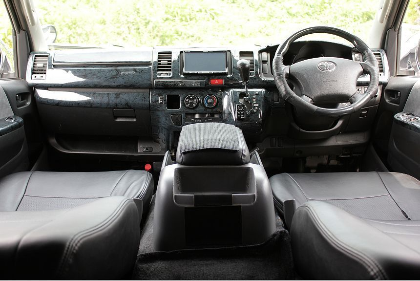 ★H18ハイエース スーパーGL 4WD ディーゼルターボ/社外HDDナビ/フルセグTV/ETC/バックカメラ/フリップダウンモニタ-/修復歴なし_画像7