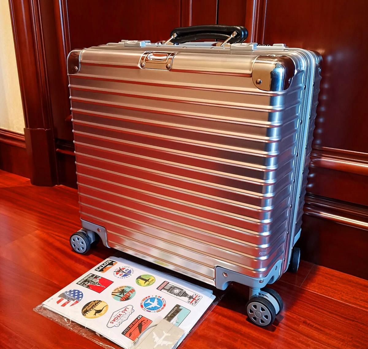 最高品質※EU基準・定価10万円※オールアルミマグネシウム合金製・軽量/静音・TSAロック搭載スーツケース※機内持ち込可 /限定ステッカー付_画像3