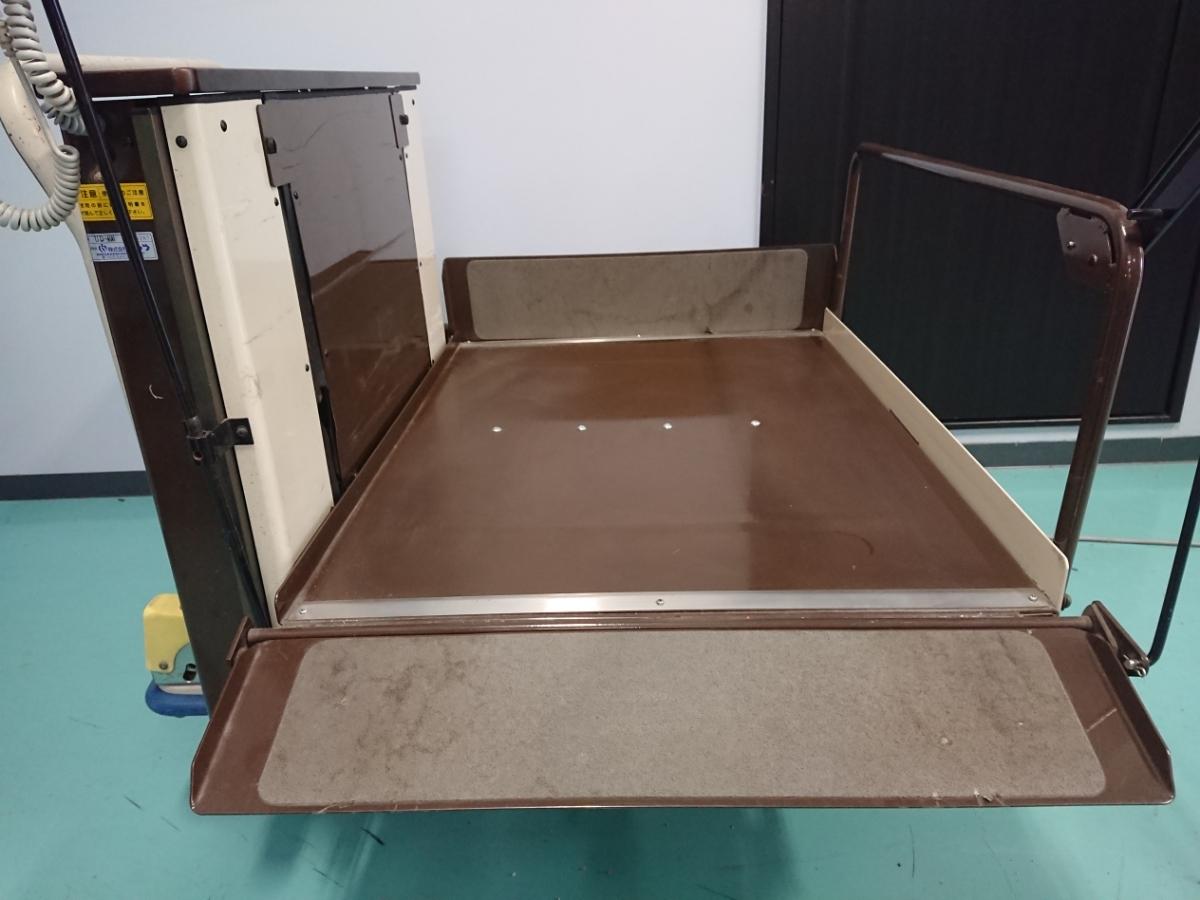 電動昇降機 介護 車椅子 いうら UD-400 電動リフト リフター 看護 デイサービス 福祉車イス 中古 動作確認済み_画像2