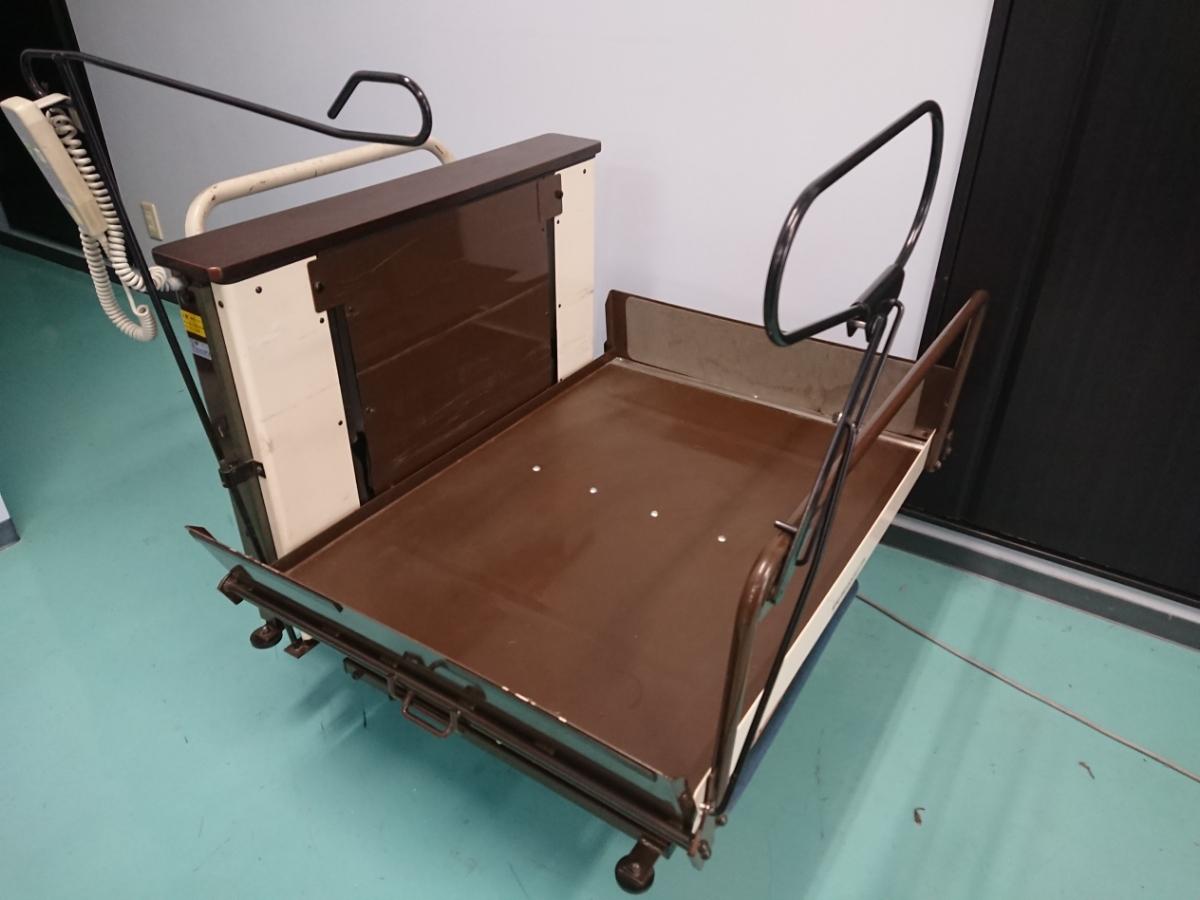 電動昇降機 介護 車椅子 いうら UD-400 電動リフト リフター 看護 デイサービス 福祉車イス 中古 動作確認済み