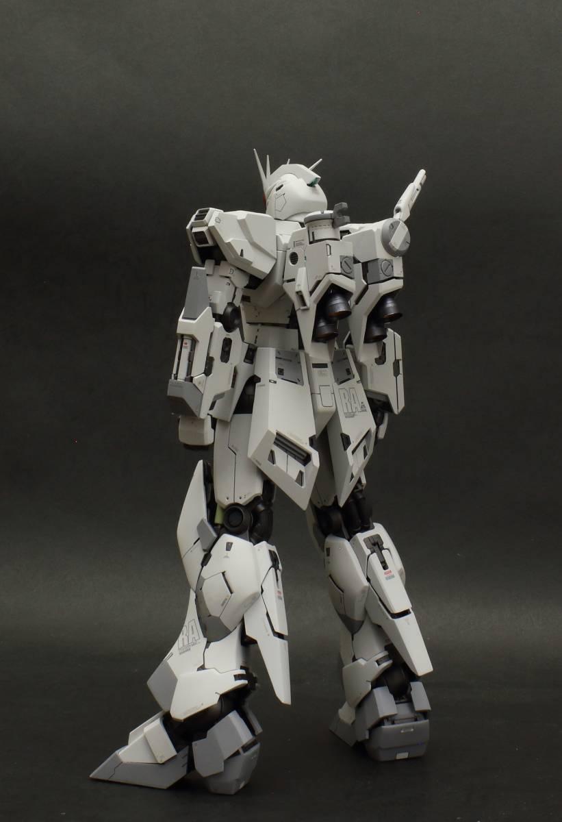 MG 1/100 νガンダム  ver.ka 徹底改修塗装完成品 マスターアーカイブ版ロールアウトカラー RX-93 ニューガンダム_画像5