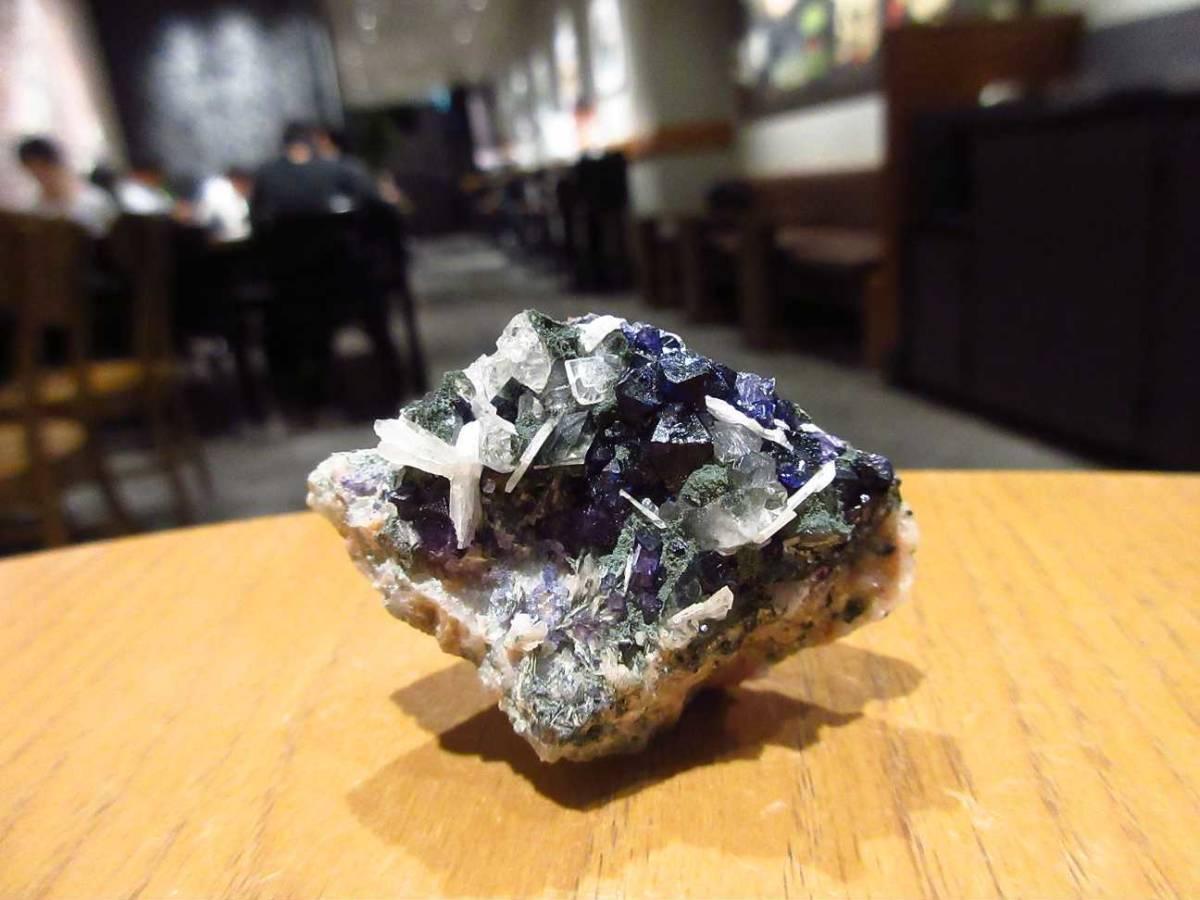 外国産鉱物標本 アイルランド産 フローライト(蛍石)