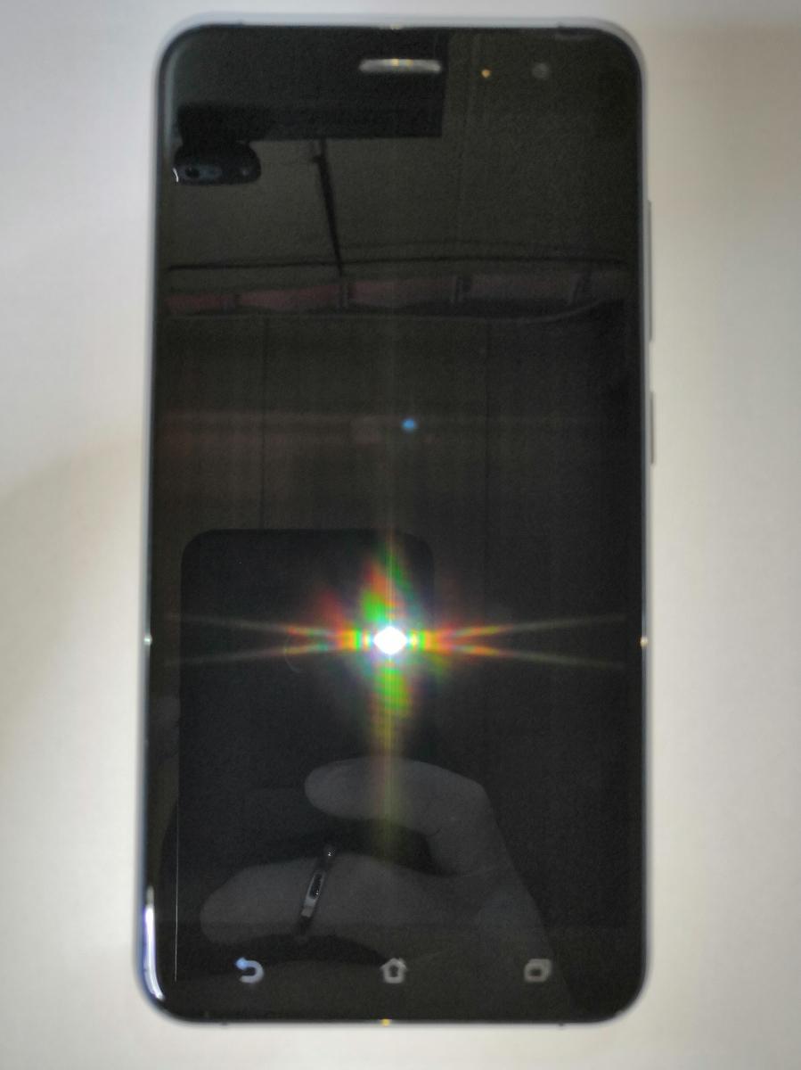 1円スタート 美品 SIMフリー ASUS ZenFone 3 (ZE552KL) 台湾版Z012DA 5.5インチ RAM4GB ROM64GB SDカード64GBその他おまけ付き_画像2
