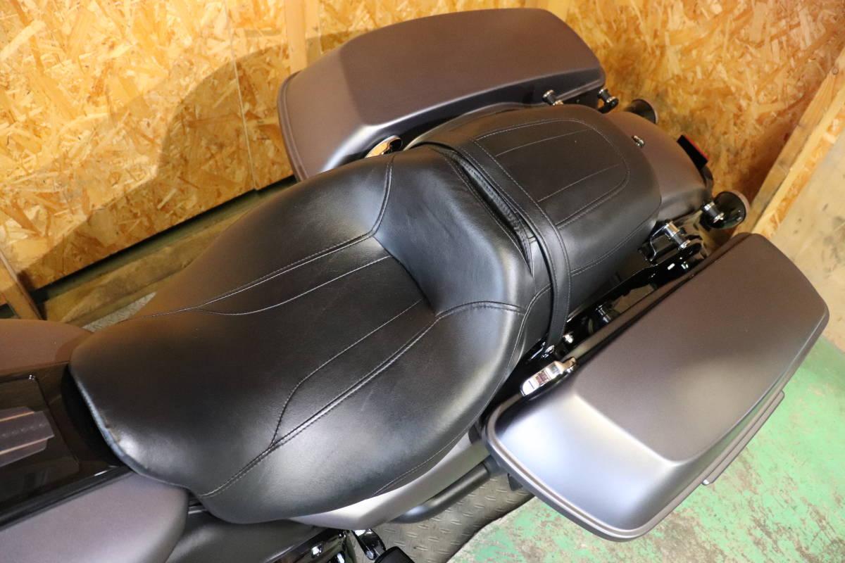 ハーレーダビッドソン FLHRXS1750ロードキングスペシャル ライトカスタム! 極上新古車! 月末限定価格の売り切り!!_画像9